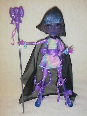 Monster High River Styxx. COMPLETE AND IN EERILY AMAZING CONDITION!!!