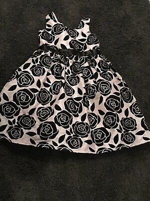 Girls Christmas Party Dress Age 9 Years From TU Great Cond