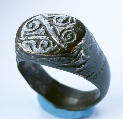 Beautiful genuine ancient Roman Æ ring with Lituus engraving - wearable