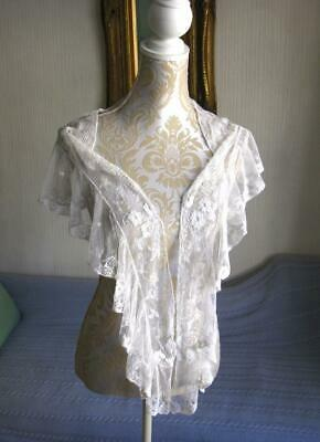 Attractive Antique Lace Collar/Shawl