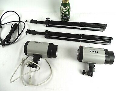 Professional Photography Flash Units 250DI and tripod stands