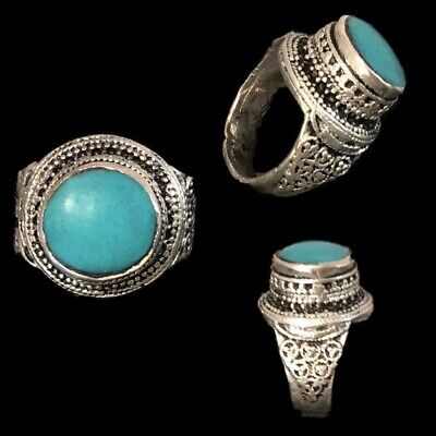 Stunning Top Quality Post Medieval Silver Ring With A Green Stone (19)