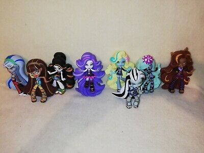Monster High Vinyl Figures. GREAT COLLECTION OF CHARACTERS. TERRIFIC GIFT IDEA!