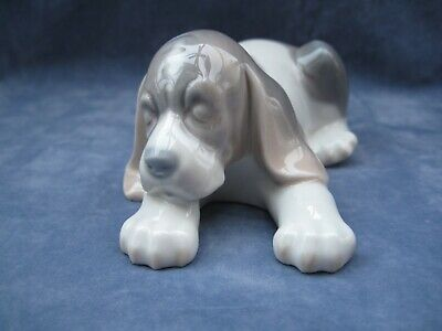 Lladro  Beagle Puppy 1072  Perfect Condition