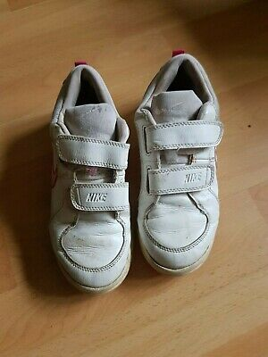 Pink and White Girls Nike trainers, UK size 1 Eur 33 worn but still wear in them