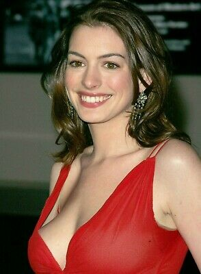 Anne Hathaway 8x10 Glossy Photo 12