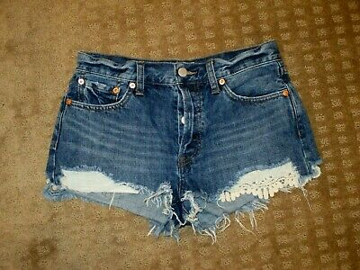 Free People Women/'s OB585971 Daisy Chain Frayed Shorts Avery Blue Size 26 31