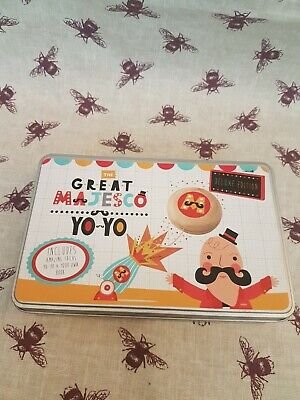The Great Majesco Yo-Yo Learn The Yo-Yo **Includes Tricks Booklet And Yo-Yo**