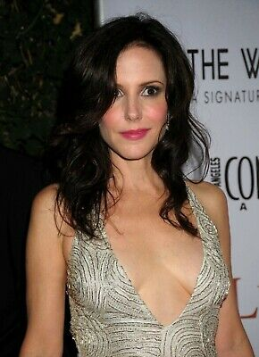 Mary Louise Parker 8x10 Glossy Photo 3