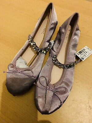 BNWT next Girls Lilac Colour Flat Ballerina Shoes With Stones Size 4