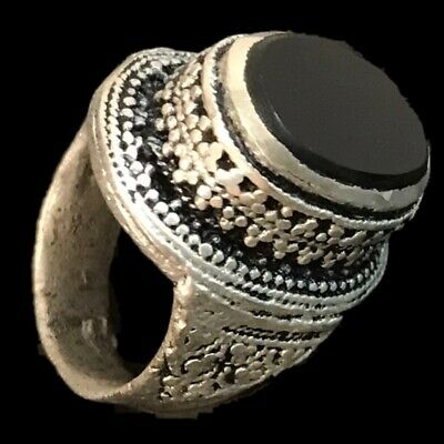 Stunning Top Quality Post Medieval Silver Ring With Black Stone (2)