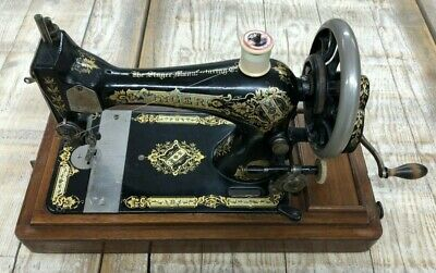 Antique 1902 Singer Sewing Machine 27K, working order, original wooden case