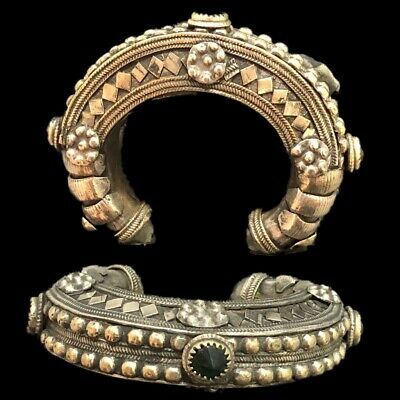 Ancient Silver Decorative Gandhara Bedouin Torc With Mixed Stones 300 B.C. (2)