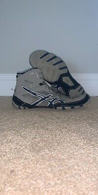 Size 9 Asics Wrestling Shoes