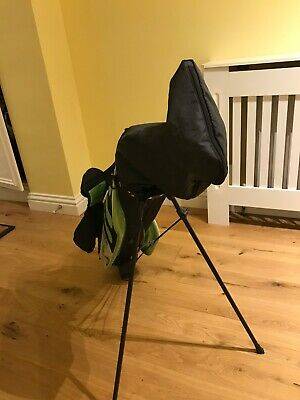 Junior set of golf clubs and golf bag. Suitable for 12 to 14 years old. Right/h
