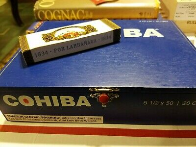 COHIBA RED DOT CLASICO BLUE  CIGAR Box and FANCY MATCHES