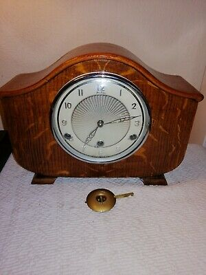 Bentima, Westminster Chimes Mantle Clock in Beautiful Oak Case. For Restoration.