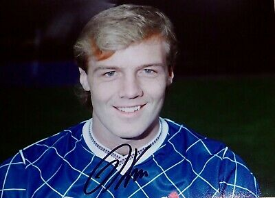 Kerry Dixon Chelsea Football Legend signed Approx 10 x 8 Photo