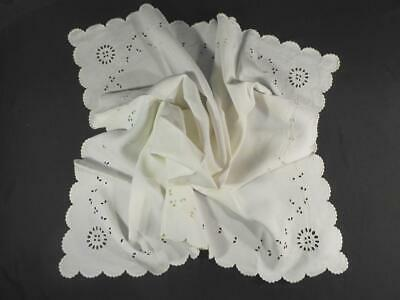 """Vintage 33""""Sq Madeira Hand Embroidered Linen Table Cloth,Topper"""