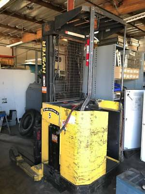 Hyster 4000 lbs Electric Forklift Model N40FR Needs New Battery Sold As Is