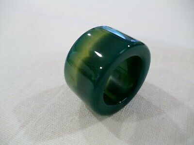 Chinese Hand Carved And Polished Green Banded Agate Archers Thumb Ring (Ca16)