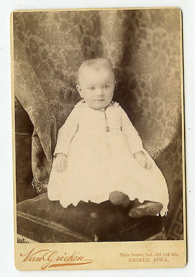 Cabinet Photo-Keokuk Iowa Cute Baby Necklace-Little Shoes-Vasn Krieken Studio