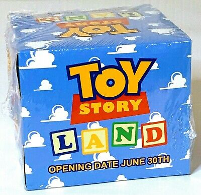 Disney Cast Member Exclusive TOY STORY LAND Slinky Opening Day Gift New in Box