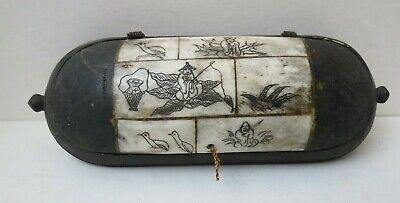 Antique Estate Chinese Hand Carved Wooden Etched Scenic Inlaid Eyeglass Case