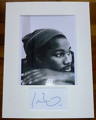 LENNOX LEWIS-Hand Signed Card is Presented With A Photo-Mounted & Matted,COA