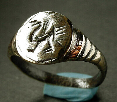 A beautiful genuine ancient Roman bronze ring - wearable