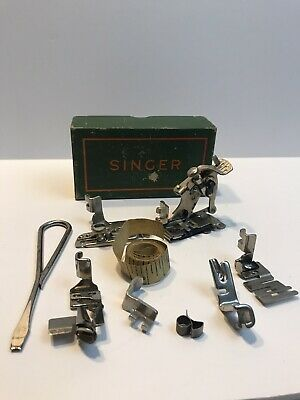 SINGER Accessories - 121901 with original box and many extra's