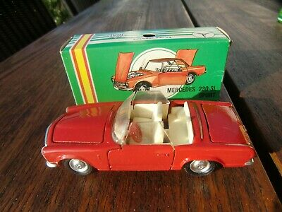 JOAL Spain MERCEDES 230 SL PAGODE W113 ROT 1:43 Art 110 mit Box Tekno Replik