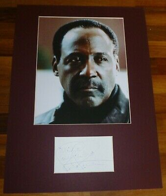 RICHARD ROUNDTREE-Hand Signed Card Presented With A Photo-Mounted & Matted,COA
