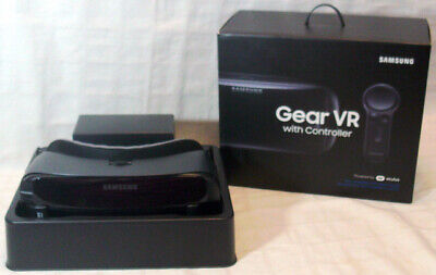 SAMSUNG Gear VR With Controller POWERED BY OCULUS - Complete  Boxed Kit