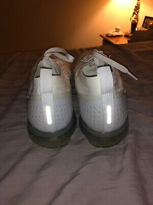 NIKE VAPORMAX Flyknit 2 Men's Running Trainers Shoes Pure Platinum White Size 11