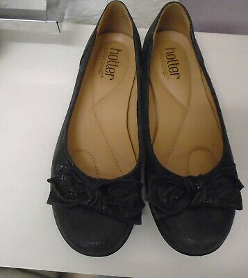 Gently Used Ladies  Hotter  Navy  Leather Jewel Comfort Shoes Ballerina Size 4