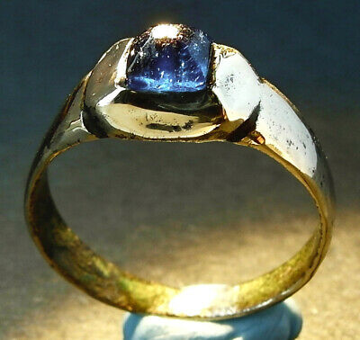 A beautiful Genuine ancient Roman bronze ring. Wearable - Uk find