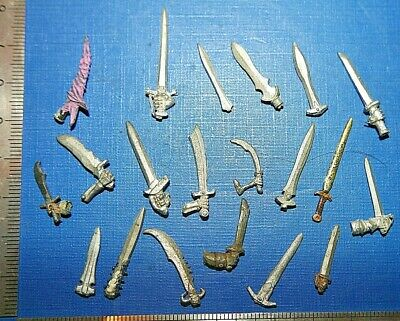 Warhammer Fantasy Battles AD & D Broken Weapons Spares/Bits Sculpting Aids (1)