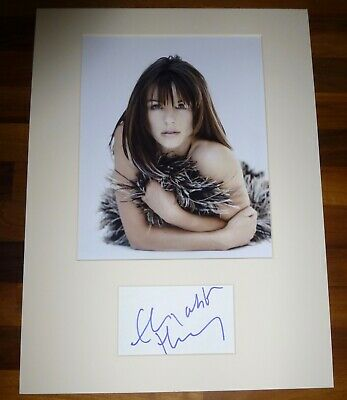 LIZ HURLEY- A Hand Signed Card Presented With A Photo-Mounted & Matted,COA