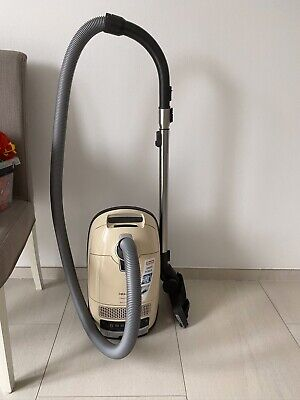 MIELE STAUBSAUGER REPARATUR All inclusive Complete C3