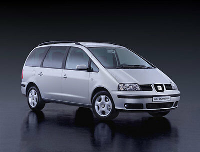 Pet World SEAT ALHAMBRA 96-09 SLOPING CAR DOG BOOT CAGE PUPPY TRAVEL SAFETY PET
