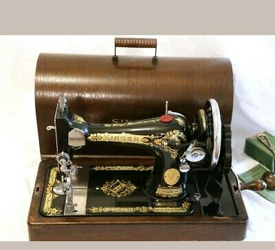 1934 Singer model 28 Hand Crank Sewing Machine Victorian