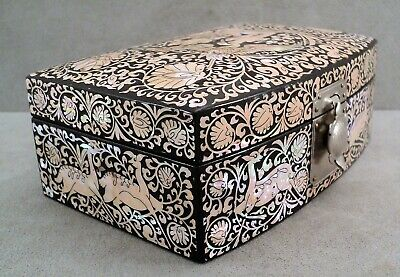 Vtg Inlaid Shimmery ABALONE SHELL in Black LACQUER Lined JEWELRY BOX Turtle Lock