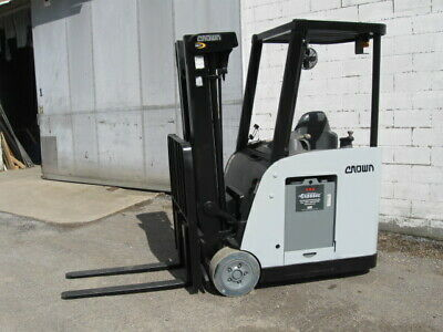 """2008 Crown RC5530C-30 Electric Stand Up Forklift 190"""" lift 3500# capacity"""