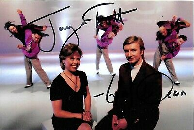 Jayne Torvill & Christopher Dean Dancing On Ice Skating Hand Signed Photo