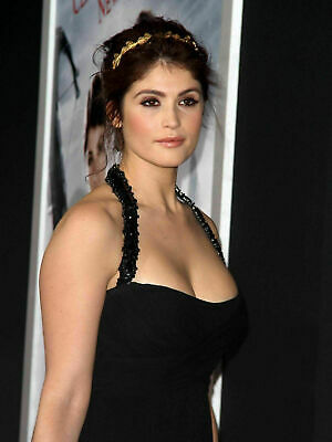 Gemma Arterton 8X10 /& Other Size GLOSSY PHOTO PICTURE IMAGE ga11