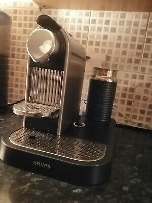 Nespresso coffee machine with milk frother + additionalmilk frother. krups