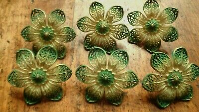 6 - Curtain Tie Backs Green  And White  Daisy Type Flowers Plastic Vintage