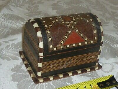 "Vintage Tunbridge Ware wood wooden lidded box old collectable @4x3"" detailed"