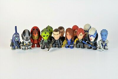 13 x Mass Effect Titans Vinyl Figures - The Normandy Collection